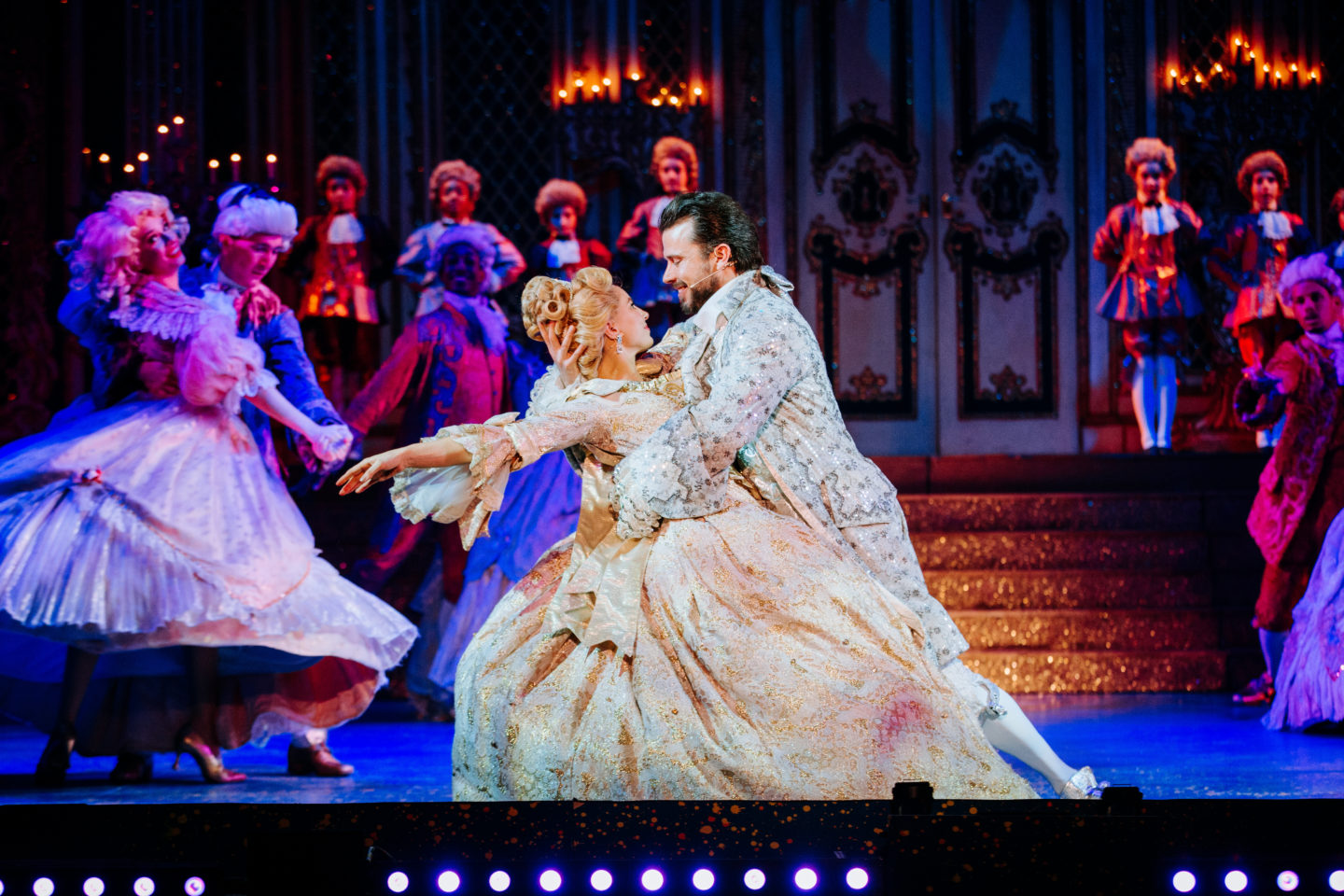 Review Cinderella At Hull New Theatre The Hearty Life